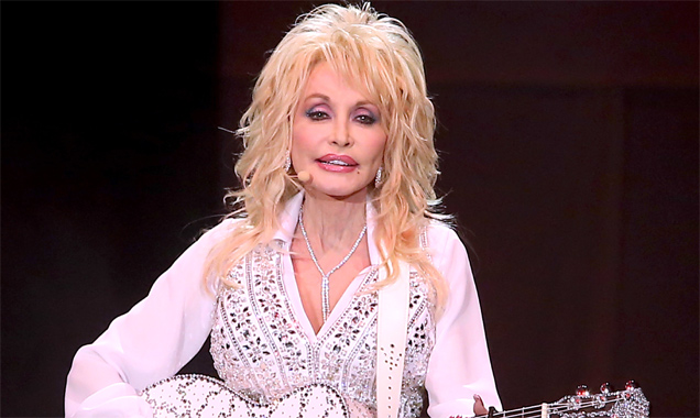 Dolly Parton -  'Blue Smoke Tour' First Direct Arena, Leeds June 2014 Live Review