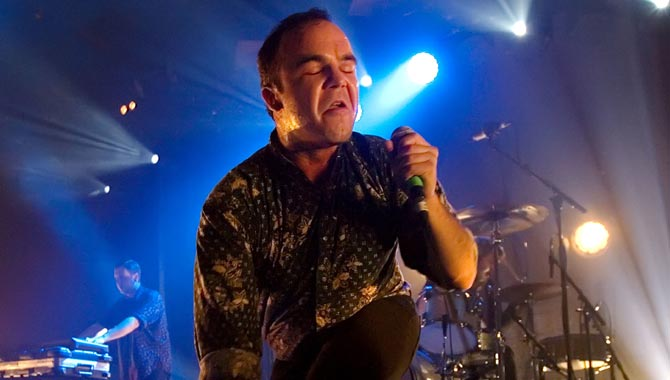 Future Islands - Brighton Dome 30.04.2017 Live Review