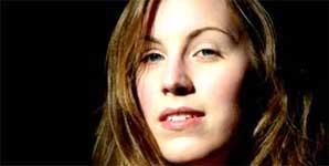 Isobel Heyworth - Close Your Eyes