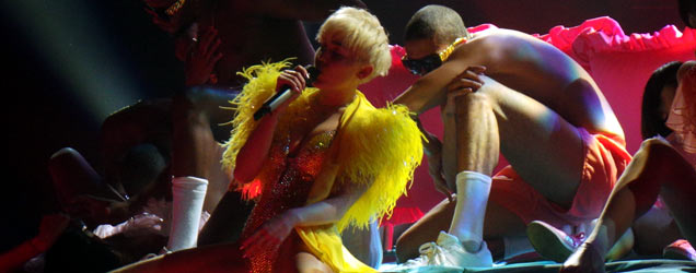 Miley Cyrus Bangerz Tour London 2014