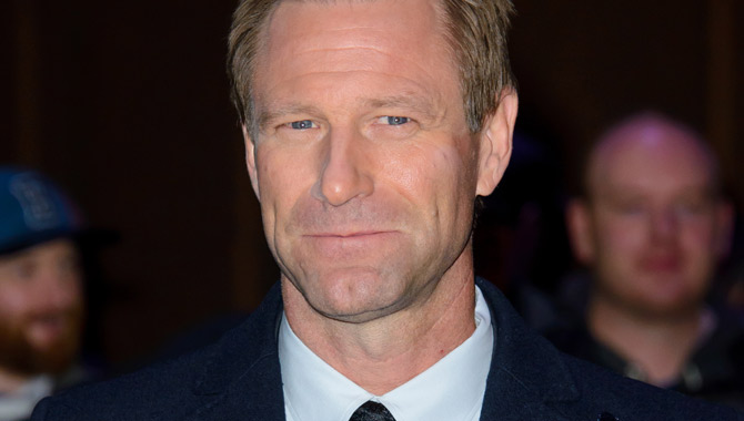 Aaron Eckhart seen on the red carpet for Sully