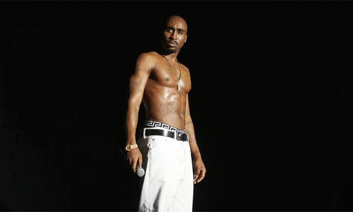 Demetrius looks incredibly similar to Tupac