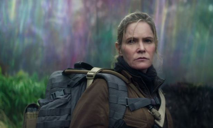 Jennifer Jason Leigh in 'Annihilation'