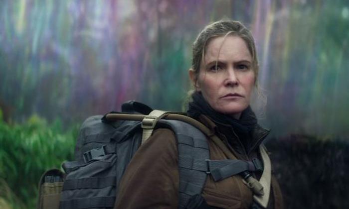 Jennifer Jason Leigh in 'Annihilation'