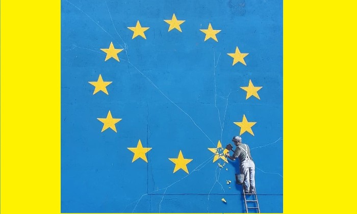 http://www.contactmusic.com/images/feature-images/banksy-dover-brexit-artwork-andrew-lockwood.jpg