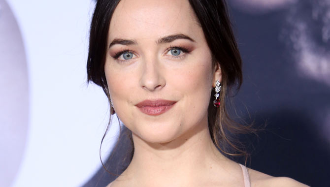Dakota Johnson Sends A Message To Her Mom In Fifty Shades Darker