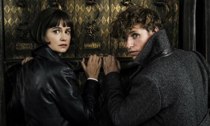 Eddie Redmayne and Katherine Waterston in 'Fantastic Beasts 2'