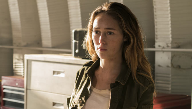 Amc Renew 'Fear The Walking Dead' For Season 4