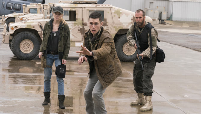 'Fear The Walking Dead' Season 3 Premiere Date Announced; New Cast And Pictures Revealed