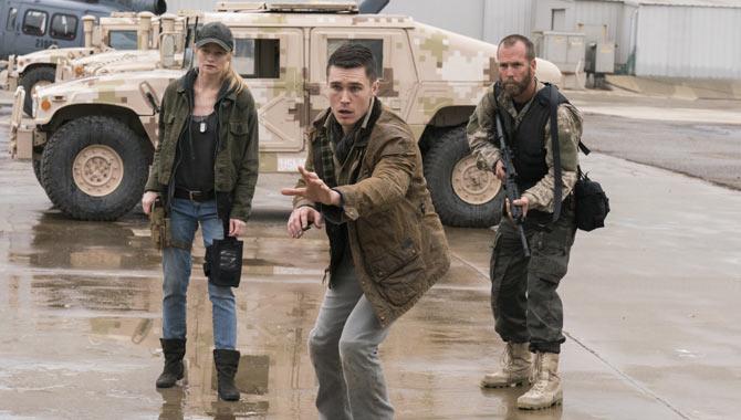 Sam Underwood (centre) is amongst the new 'Fear The Walking Dead' cast members