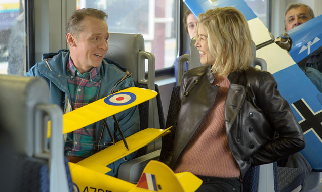 Simon Pegg and Rosamund Pike in Hector and The Search For Happiness