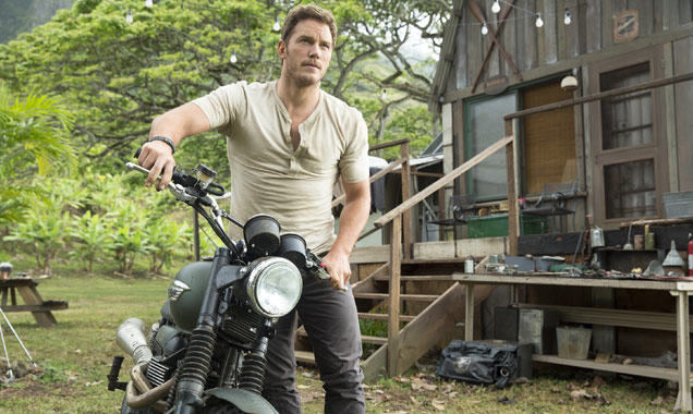 Chris Pratt in 'Jurassic World' still 2