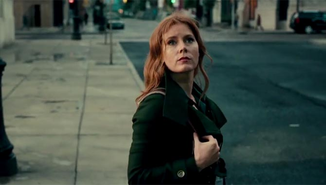 Amy Adams plays Lois Lane