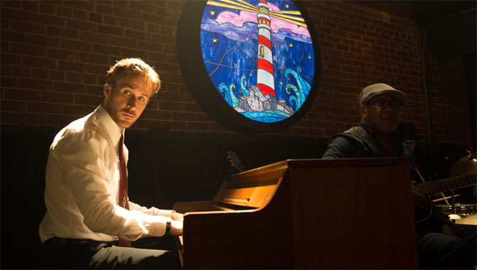 Ryan Gosling playing piano in La La Land
