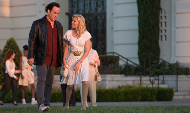 Elizabeth Banks Scores Three 2015 Hits, And 'Love & Mercy' Is Her Best Yet