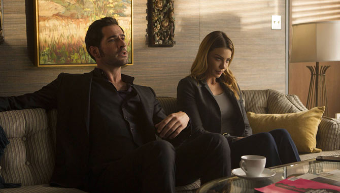 Tom Ellis and Lauren German in Lucifer