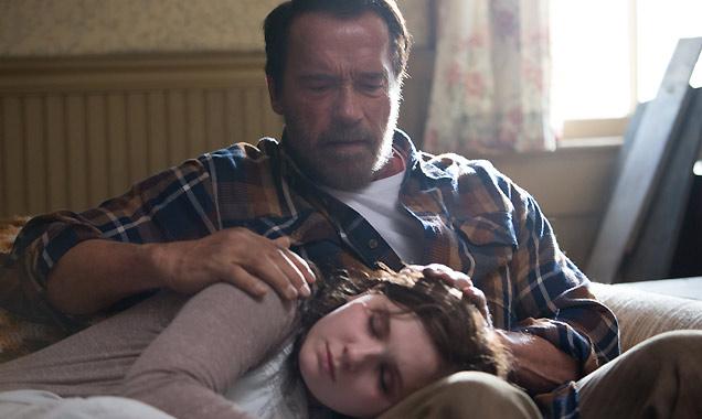 Arnold Schwarzenegger and Abigail Breslin in 'Maggie'