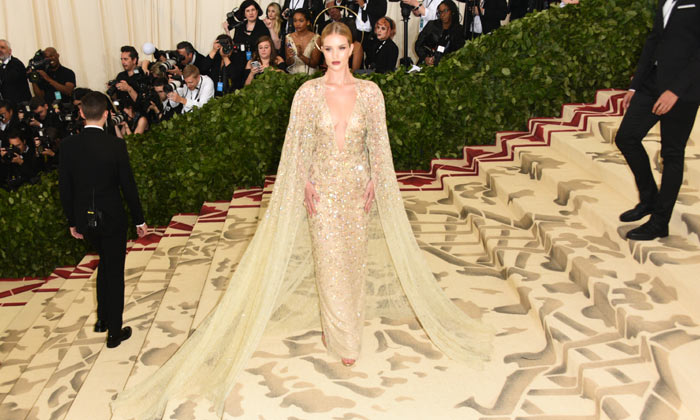 Rosie Huntington-Whiteley - Met Gala 2018