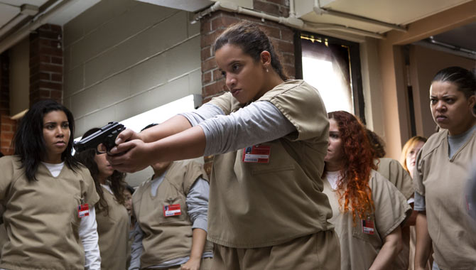 Will Daya kill one of the serving officers on duty in 'Orange Is The New Black' season 5?