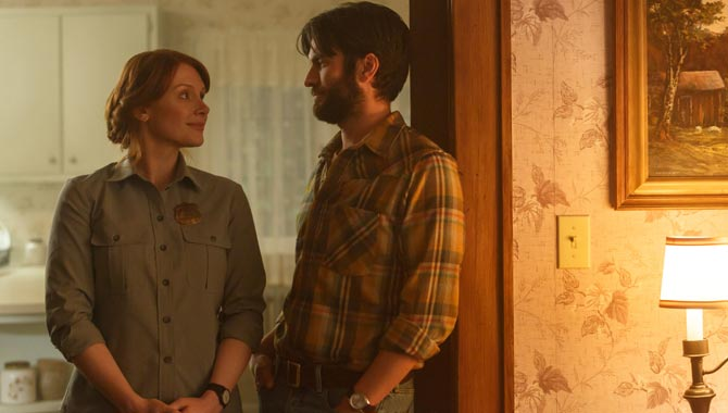 Bryce Dallas Howard and Wes Bentley in Pete's Dragon