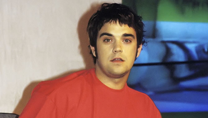 Robbie Williams at 22 years old