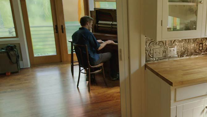 Ryan Gosling Piano Skills Come In Handy Once Again For 'Song To Song'