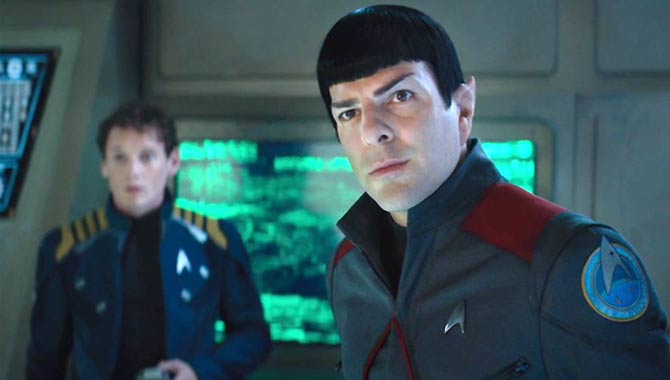 The Enterprise Crew Face Their Worst Fate Yet In 'Star Trek Beyond' - Trailer