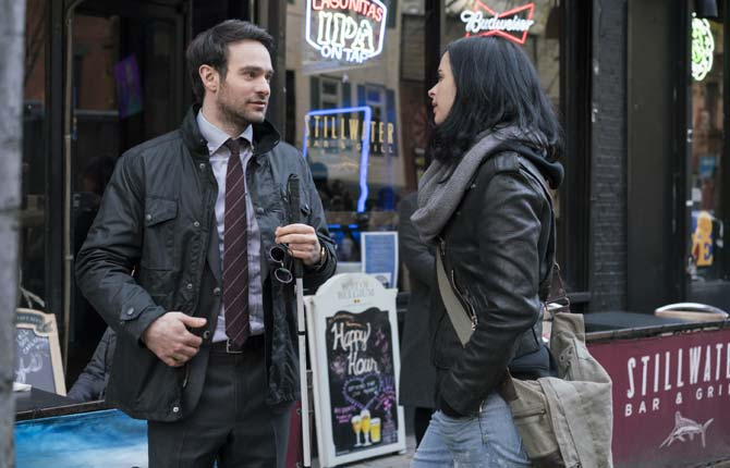 "Jessica Jones And Daredevil ""Don't Like Each Other"" In Marvel's 'The Defenders'"