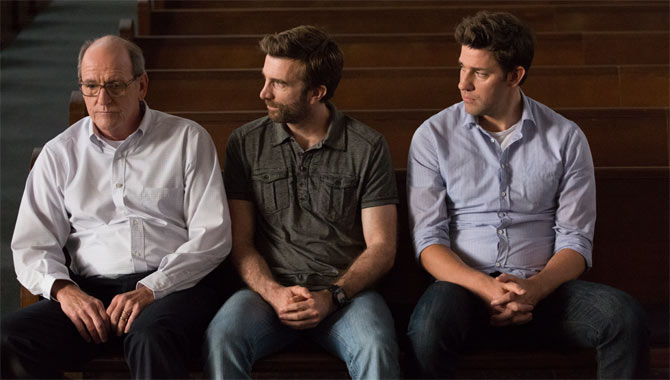 John Krasinski Used His Experience To Make The Hollars