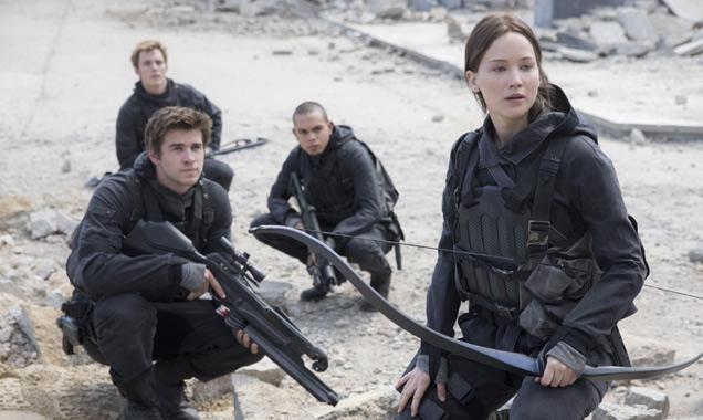 Jennifer Lawrence et al in Mockingjay