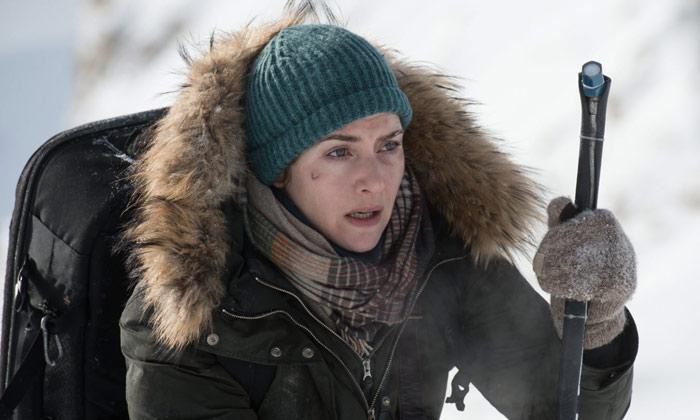 Kate Winslet plays photojournalist Alex Martin
