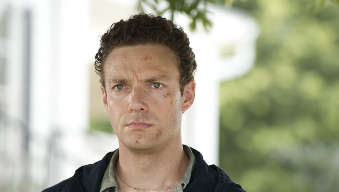 Ross Marquand plays Aaron in the zombie apocalypse series