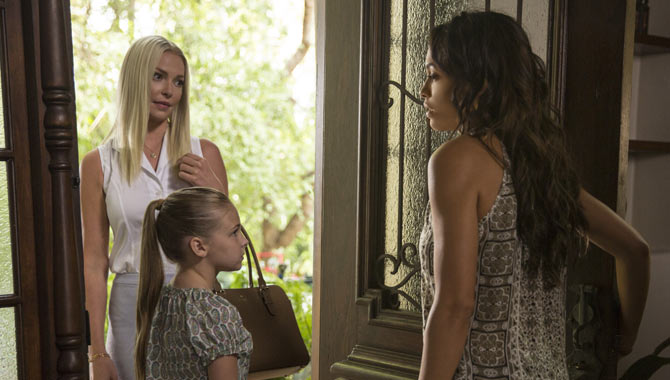 Katherine Heigl and Rosario Dawson in Unforgettable
