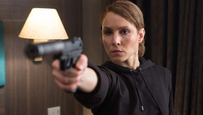 Noomi Rapace in Unlocked