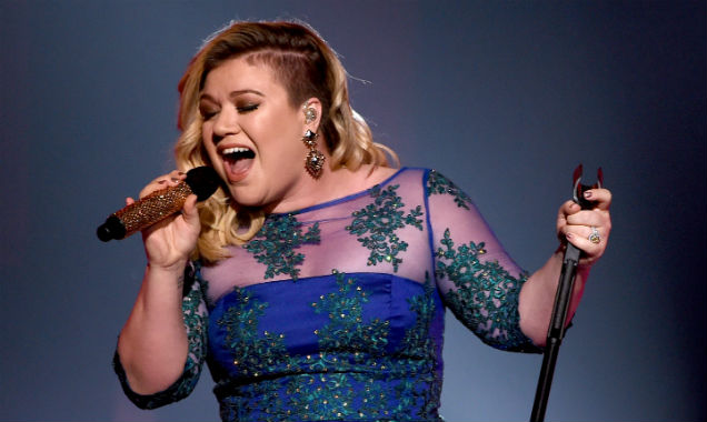 Kelly Clarkson at iHeartRadio Music Awards 2015 (Credit: Kevin Winter at Getty Images Entertainment)
