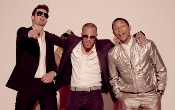 Robin Thicke - Blurred Lines (Unrated Version)