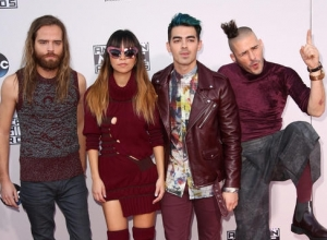 Wanna Know Some Fun Facts About Joe Jonas' New Band DNCE? [Video]