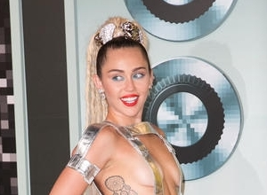 Miley Cyrus Joins 'The Voice' As Key Adviser For Season 10