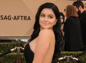 Ariel Winter Speaks Out After Showing Breast Reduction Scars On SAG Awards' Red Carpet