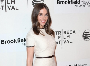 Dave Franco And Alison Brie Are Engaged