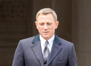 Daniel Craig Talks About The Pressures Of Celebrity Superstardom