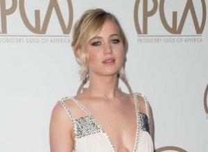 Jennifer Lawrence Uses Lena Dunham's Blog To Address Hollywood's Gender Pay Gap