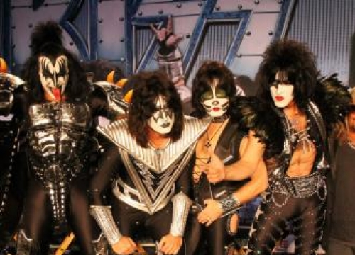 Gene Simmons Rules Out A Full KISS Reunion
