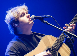 Five things we love about Lewis Capaldi