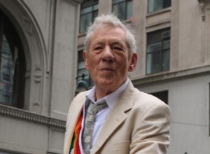 Ian McKellen Says Taylor Swift Threw Him Out Of Apartment