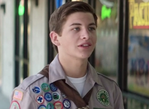 Scouts' Guide To The Zombie Apocalypse - Trailer