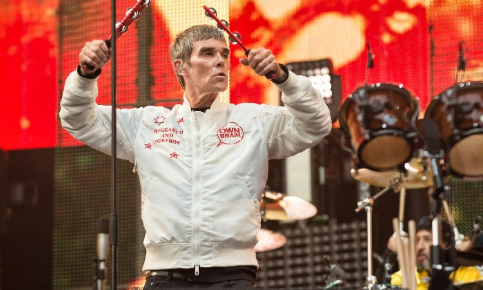 The internet mocks Ian Brown once again over COVID vaccination rage