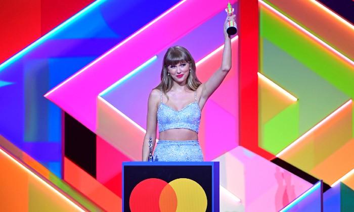 Who made history at the 2021 Brit Awards?