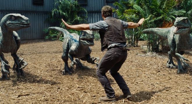 Jurassic World - Clip And Trailer
