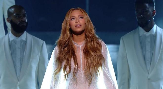 Beyoncé - Take My Hand. Precious Lord (Live Grammys 2015)